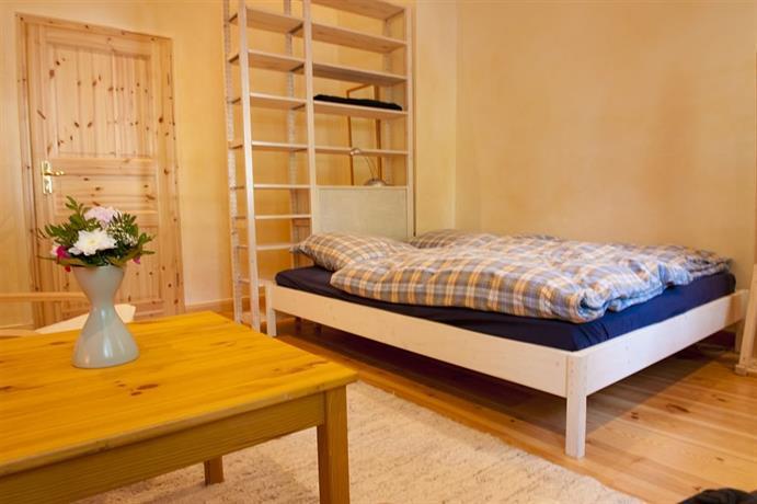 excellent apartments kreuzberg berlin comparez les offres. Black Bedroom Furniture Sets. Home Design Ideas