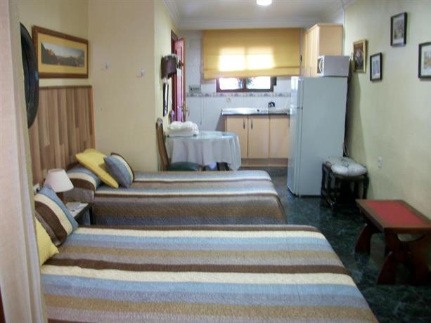 Hostal moni albayzin hotels grenade for Hotels grenade