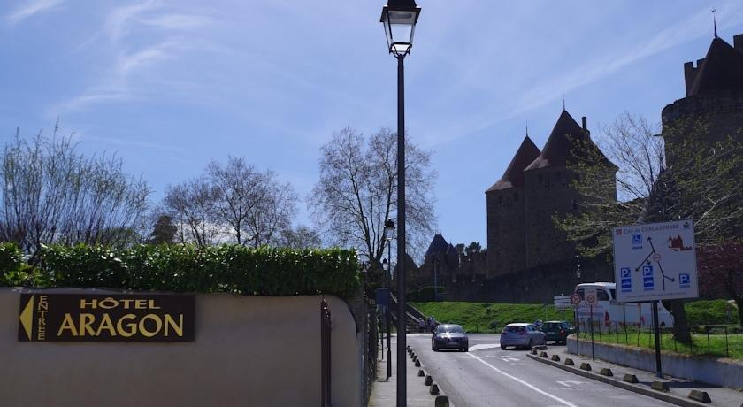 Aragon hotel carcassonne compare deals for Hotels carcassonne
