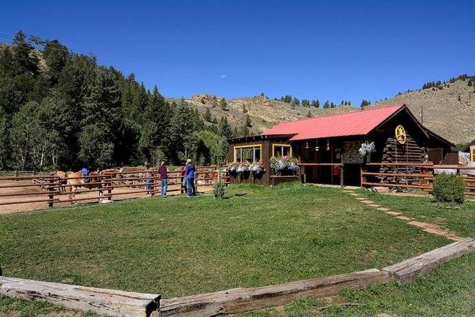 Harmel 39 s ranch resort crested butte offerte in corso for Piscinas gunisol