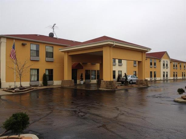 Days inn great lakes north chicago compare deals for Hotels up north chicago