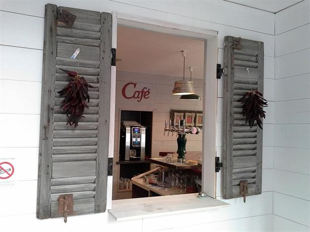 hotel de la gare bayonne compare deals. Black Bedroom Furniture Sets. Home Design Ideas