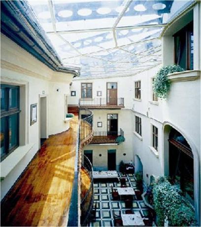 Hotel Copernicus, Krakow  Compare Deals. Smart Hotel Hefei Swan Lake Wanda. J House. Pala Hotel Shenzhen. Grand Barrail Chateau Resort & Spa. Golden Retreat Hotel. Eagles Nest Estate Guest House. Amerian San Luis Park Hotel. Regea Hotel