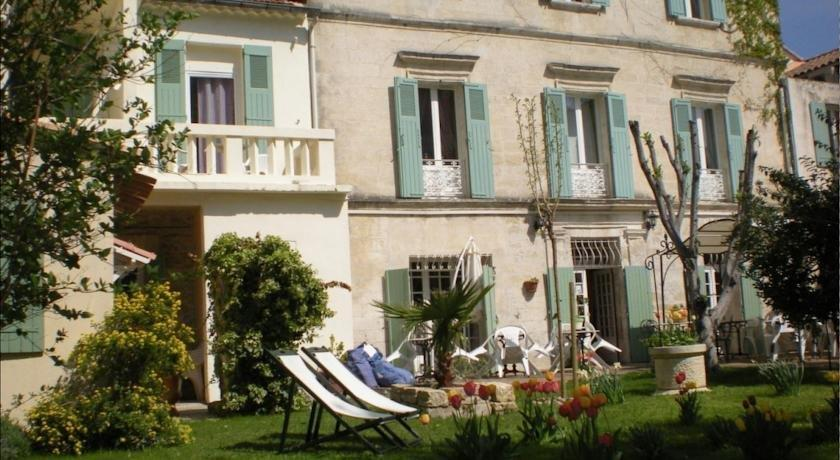 Au Saint Roch - Hotel et Jardin