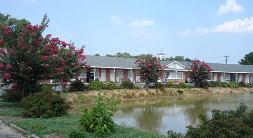 Washington And Lee Motel