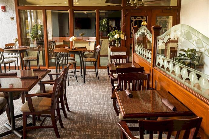 rit inn conference center rochester compare deals. Black Bedroom Furniture Sets. Home Design Ideas