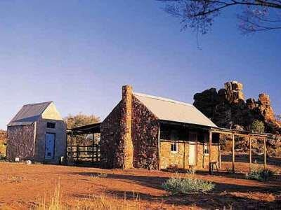 Cheap alice springs accommodation deals