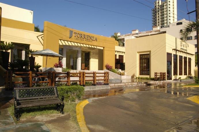 Torrenza boutique resort mazatlan compare deals for Boutique resort