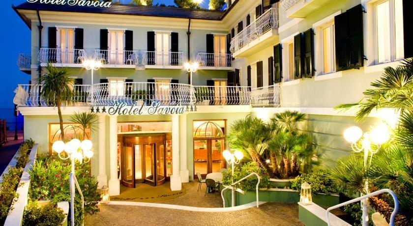 Hotel savoia alassio offerte in corso for Hotel milano alassio