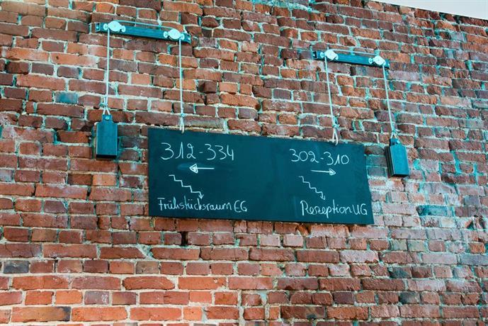 Hotel Volksschule Hubbesweg   Hamburg