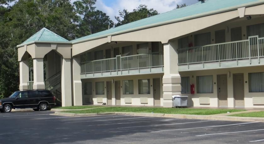 Riviera Inn Foley