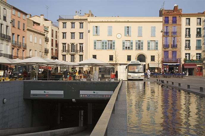 Appart hotel de la republique perpignan compare deals for Appart hotel perpignan