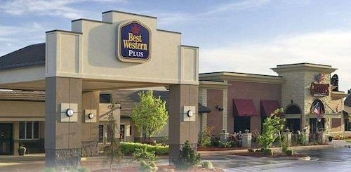 Best Western Plus Dubuque Hotel & Conference Ctr