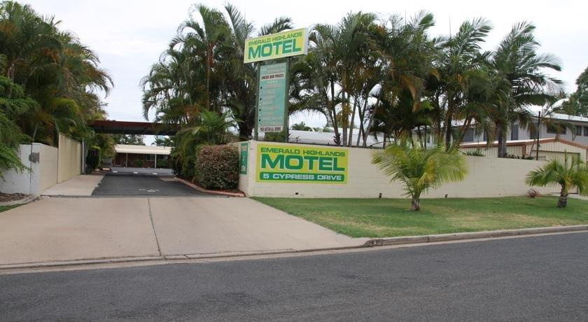 Emerald Highlands Motel