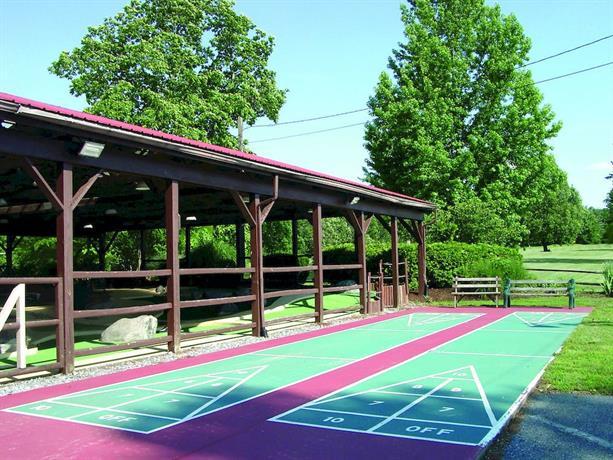 Circle M RV & Camping Resort - Caravan Park