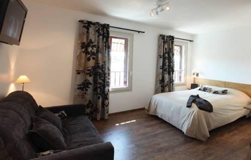 le nouvel portes les valence compare deals. Black Bedroom Furniture Sets. Home Design Ideas