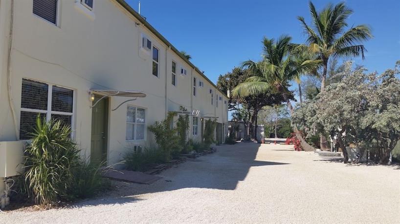 Smugglers Cove Resort & Marina