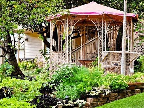 Nona Lani Cottages