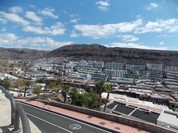 Montesol apartments gran canaria puerto rico compare deals for Gran canaria padel indoor
