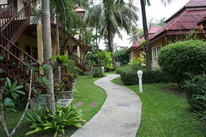 Palm Village Phuket, Rawai - Compare Deals