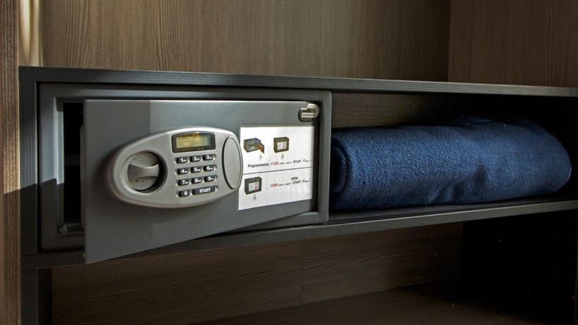 le strasbourg montpellier compare deals. Black Bedroom Furniture Sets. Home Design Ideas
