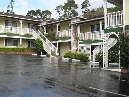 carmel inn and suites carmel by the sea compare deals. Black Bedroom Furniture Sets. Home Design Ideas