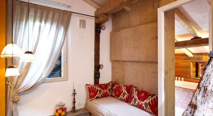 Casa fluo relais bologna confronta le offerte for Casa moderna bologna