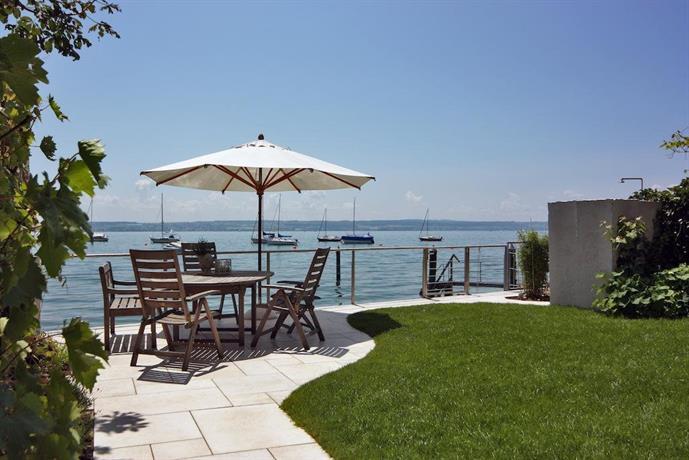Hotel zur winzerstube hagnau am bodensee compare deals for Designhotel am bodensee