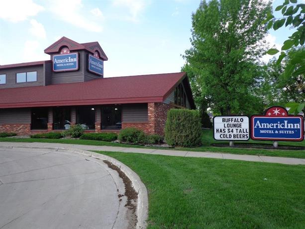AmericInn Motel & Suites Grand Forks