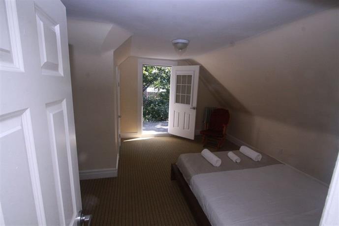 Room 945