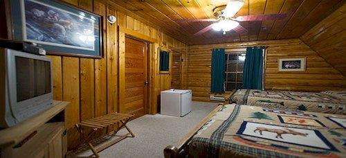 Twin Pines Lodge and Cabins