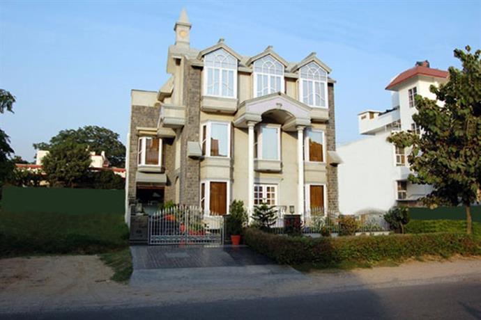Windsor Castle Hotel Gurgaon