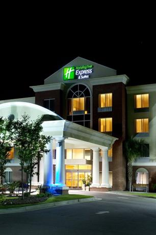 Holiday Inn Express And Suites N Charleston