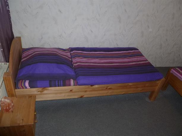pension haus germania erfurt compare deals. Black Bedroom Furniture Sets. Home Design Ideas