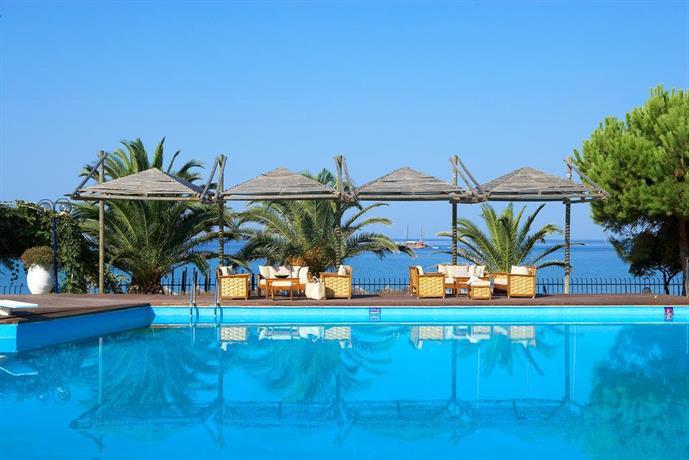 Star Hotels In Kamari Santorini