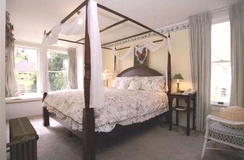 Cliff Crest Bed Breakfast Inn