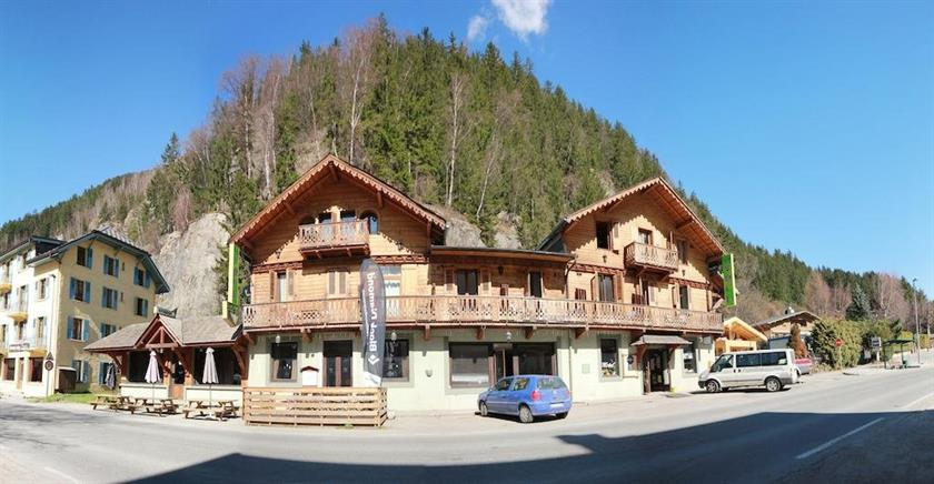 Le vert hotel chamonix chamonix mont blanc compare deals for Hotels chamonix