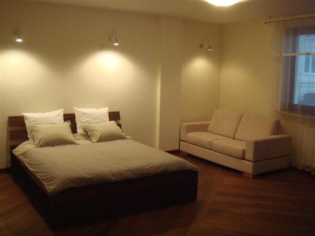 Szucha Apartment