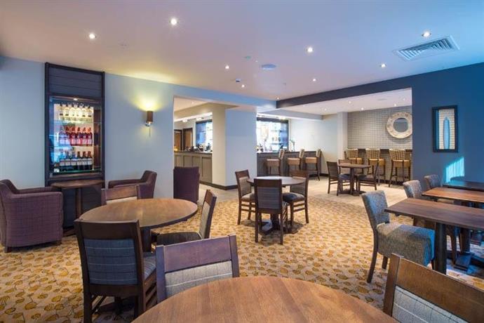 premier inn london city aldgate compare deals. Black Bedroom Furniture Sets. Home Design Ideas