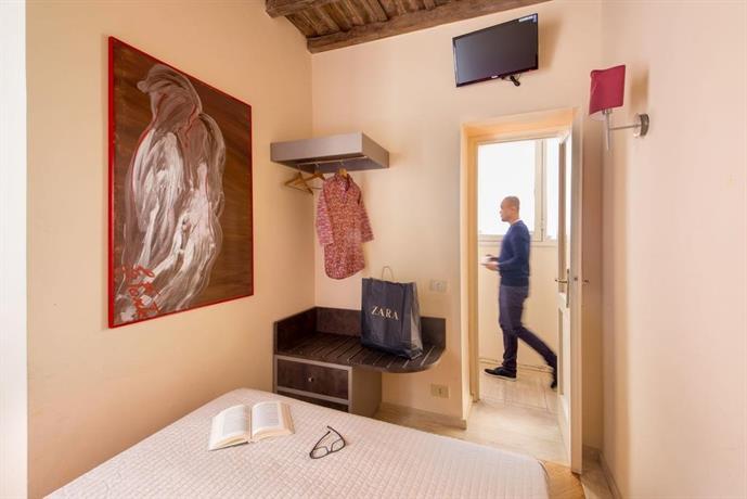 Maison del gambero rome compare deals for Appartamenti maison del gambero