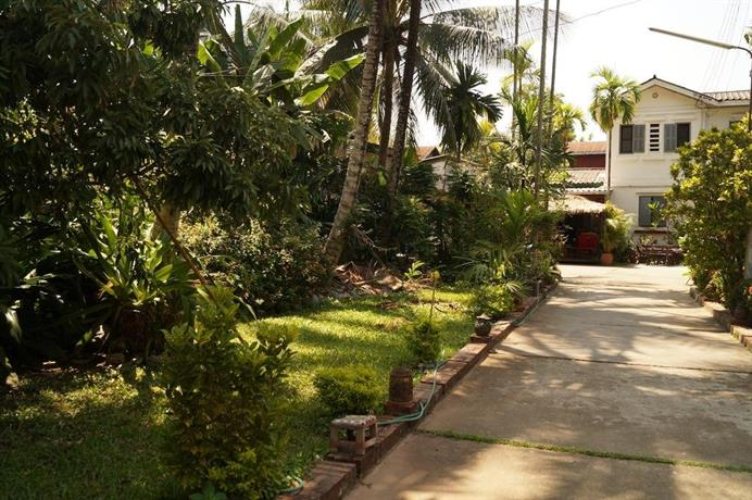Villa suan maak hotels luang prabang for Villa du jardin singapore