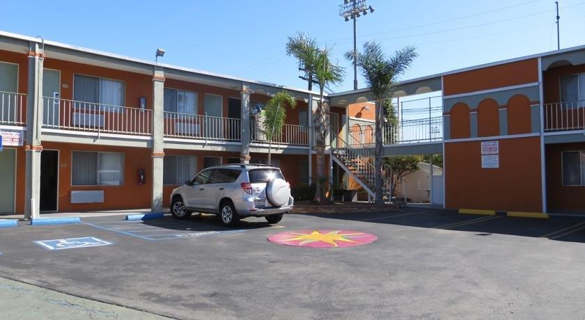 About Aqua Venture Inn Long Beach