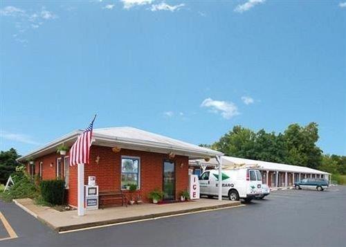 About Regal Inn Hebron Ohio
