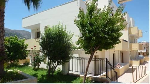 Newcastle Appartments: Newcastle Apartments, Malia