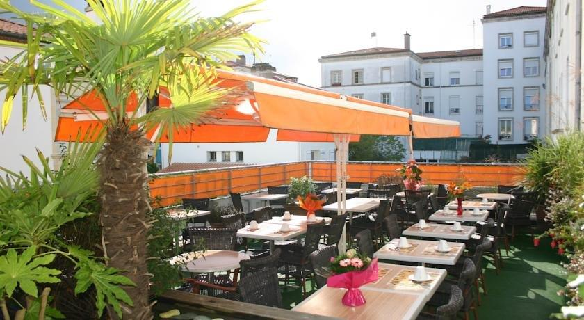 Hotel abacus royan compare deals for Hotels royan