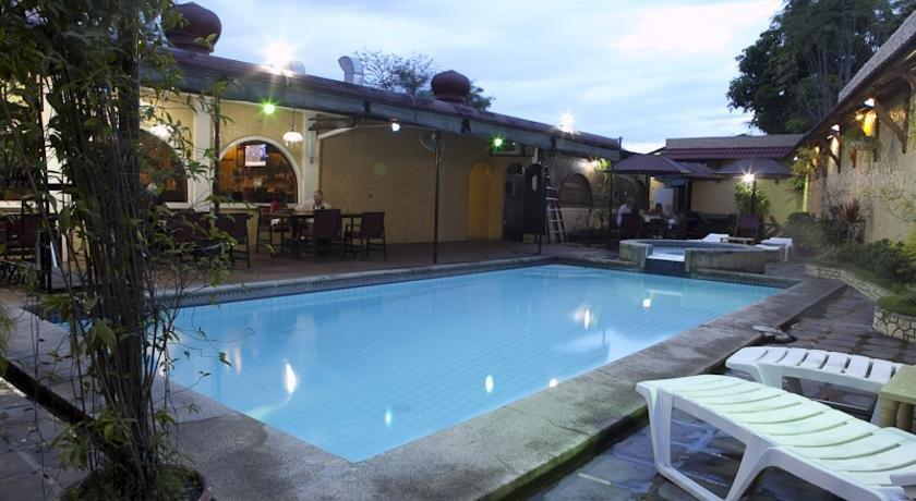 Guest Friendly Hotels in Angeles City - Phoenix Hotel