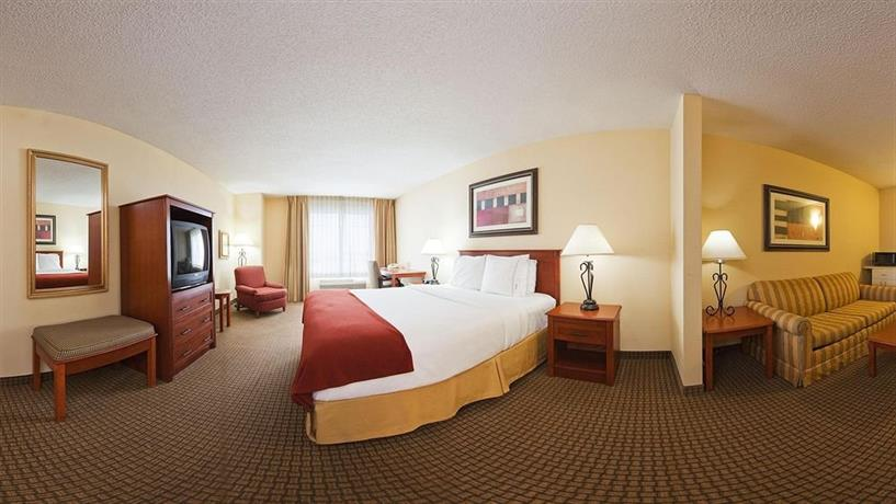 About Holiday Inn Express Hotel Suites Greenville Mississippi