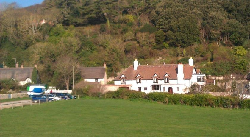Lulworth lodge hotel