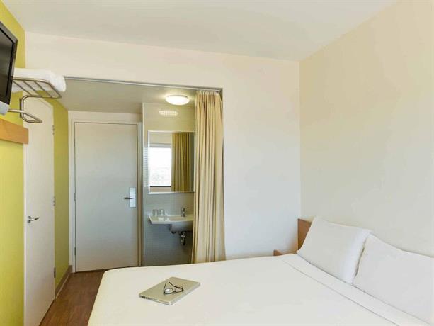 Ibis budget sydney olympic park hotel comparez les offres for Chambre ibis budget