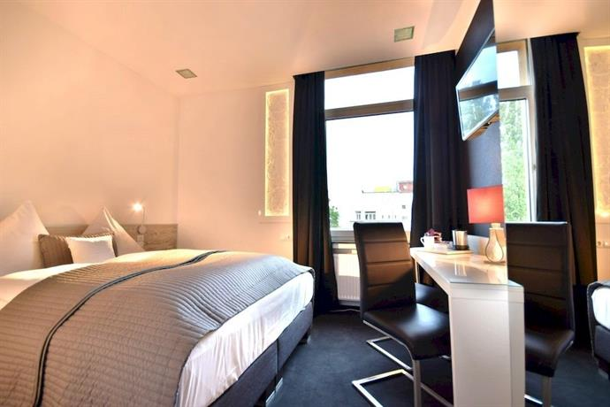 design hotel wiegand hannover compare deals. Black Bedroom Furniture Sets. Home Design Ideas